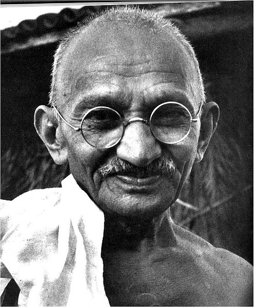 Mahatma Gandhi praised the Corea Family of Chilaw for campaigning so hard for the freedom of Sri Lanka