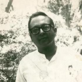 This is a photograph of Sri Lankan broadcaster Vernon Corea taken in the early 1970s at No 5 Maha Nuge Gardens.