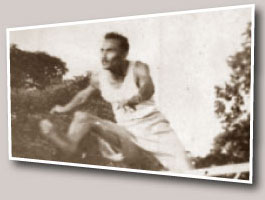 Duncan White struck gold  at the British Empire Games in Auckland in 1950.