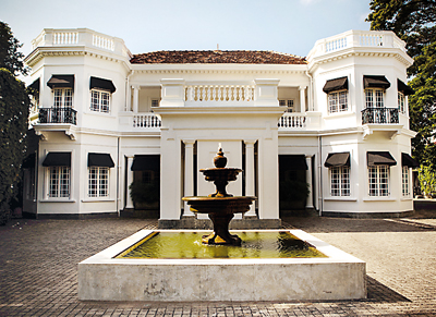 The Prince of Wales and the Duchess of Cornwall will stay at the former Bandaranaike home, Tintagel in Colombo during CHOGM 2013.