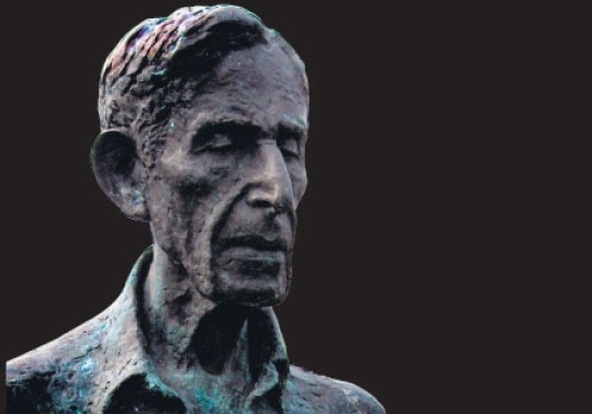 Leonard Woolf lived in Ceylon.