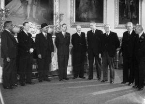 Prime Minister D.S.Senanayake and King Georgve VI with Commonwealth Prime Ministers of the Commonwealth at Buckingham Palace in London in 1949.